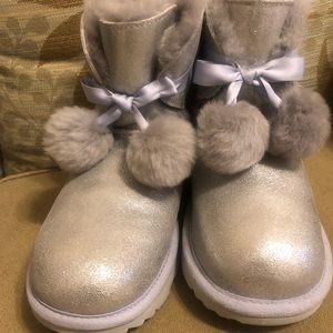 UGG size 6 metallic Gita boots with Pom Pom